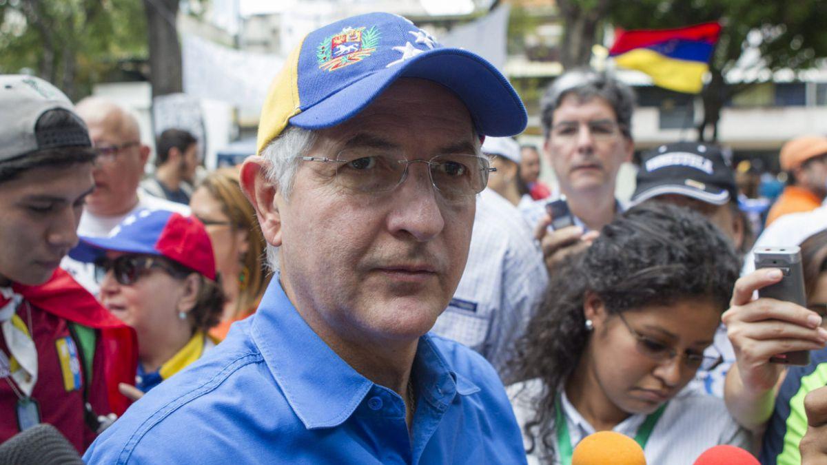 Ledezma llama a estudiar cómo pedir la renuncia de Maduro