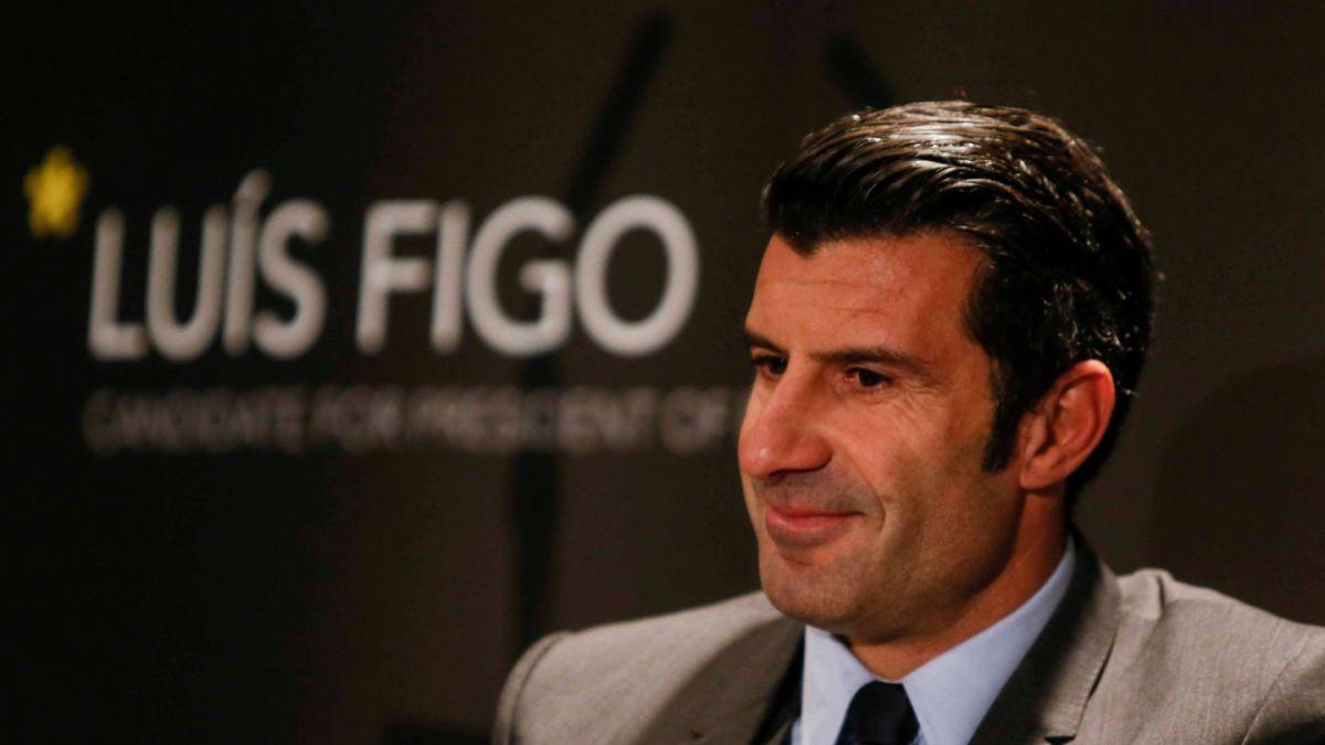 Figo baja candidatura a la presidencia de la FIFA