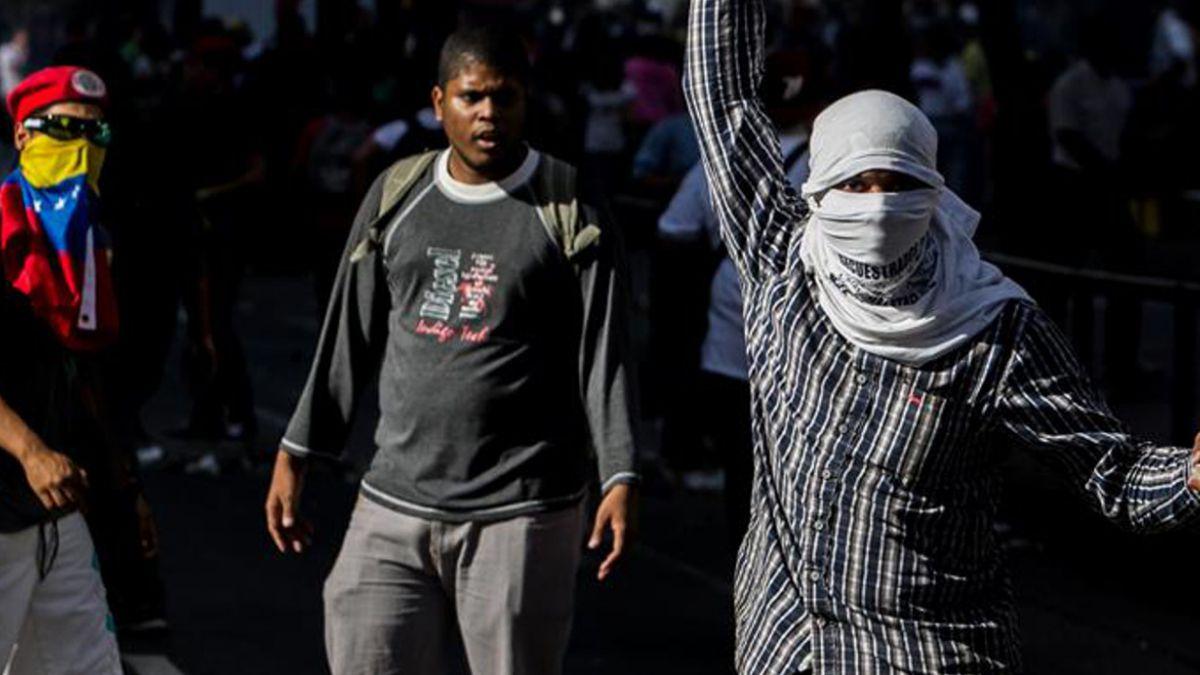 Detienen a policía por muerte de adolescente durante protesta en Venezuela