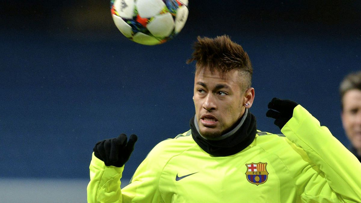 Neymar es protagonista en fiesta en Brasil