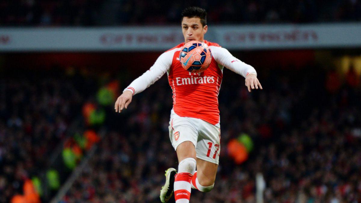 Alexis participa en ajustado triunfo del Arsenal en la Premier League