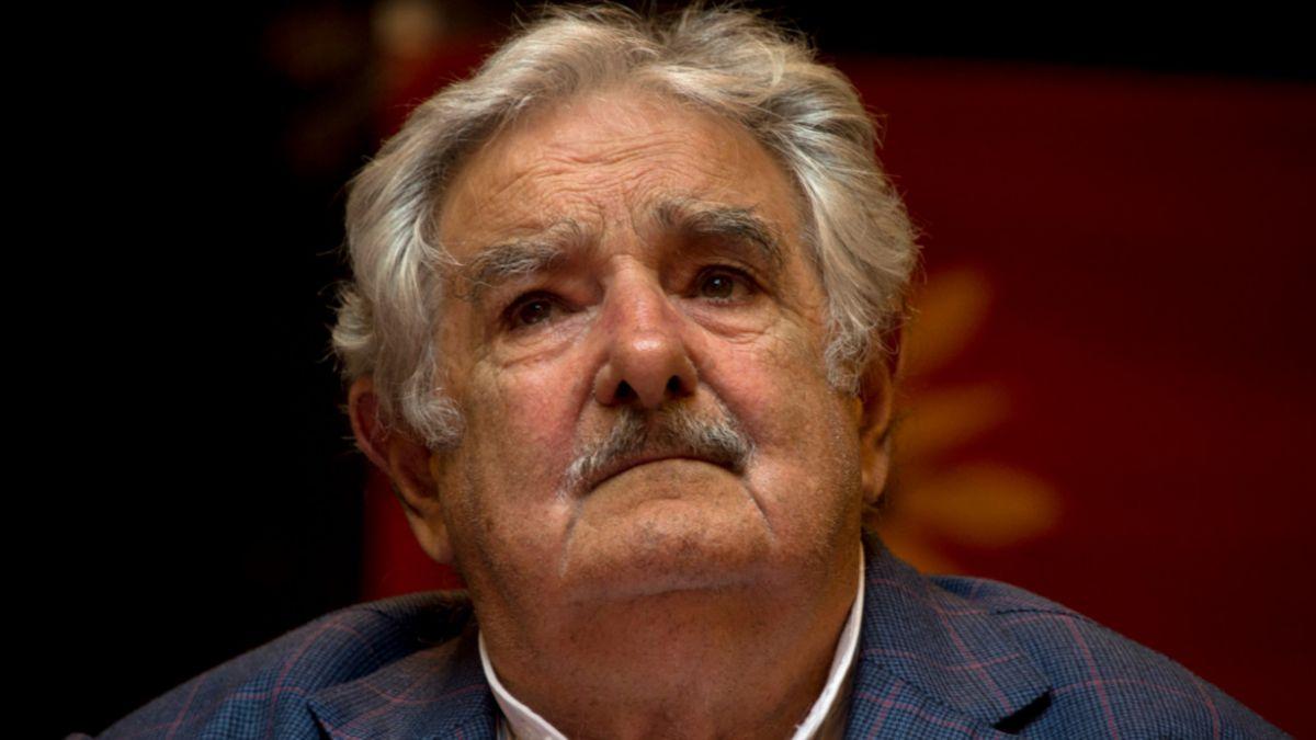 Mujica teme golpe militar de izquierda en Venezuela