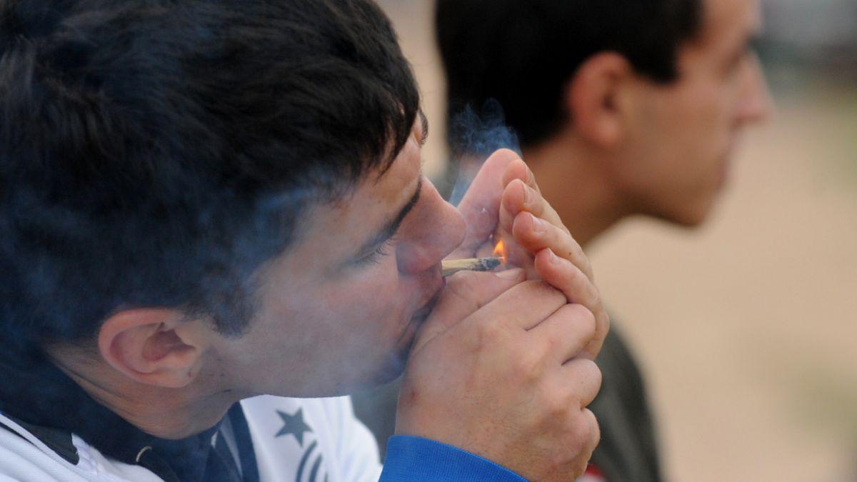 Fumar marihuana es legal en Washington desde este jueves