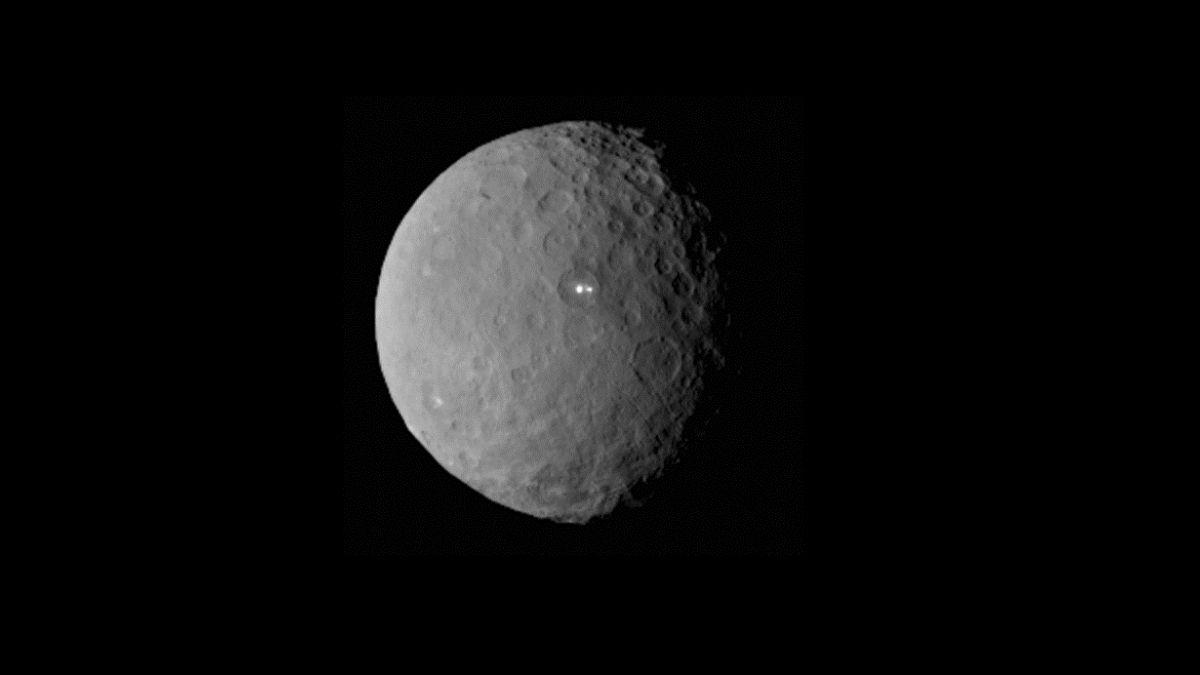 Un nuevo punto luminoso en Ceres asombra a los científicos