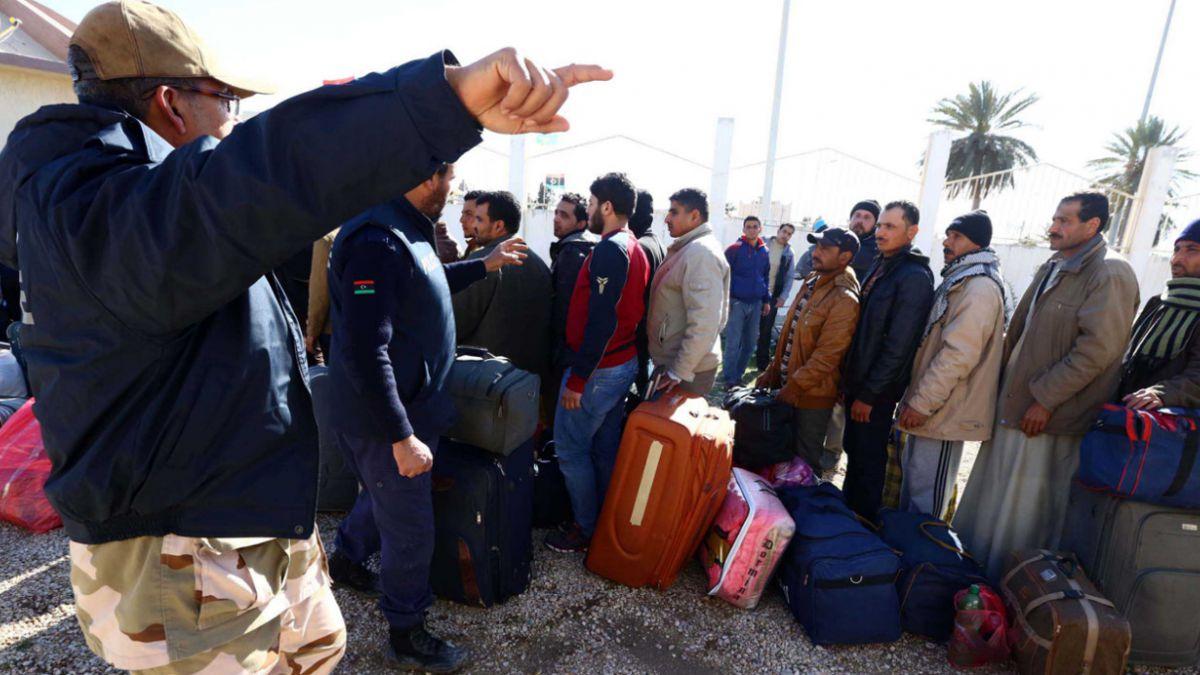 Más de 25.000 egipcios huyeron de Libia en los últimos días