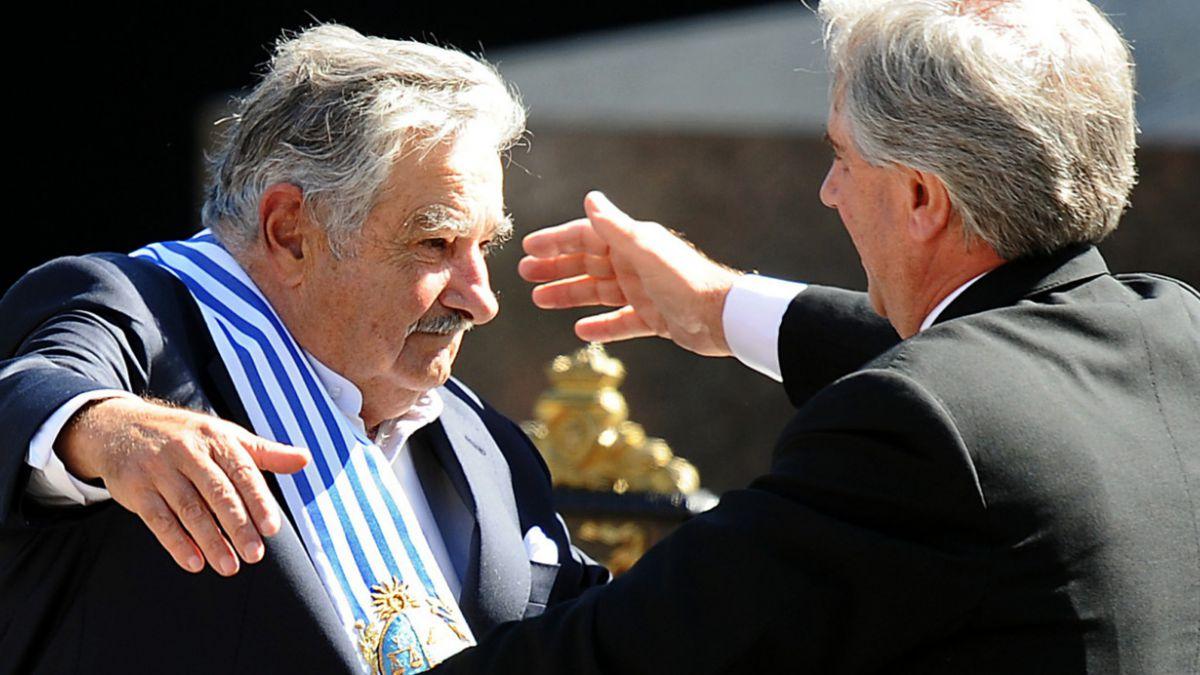 Tabaré Vásquez asume en Uruguay y dice que Mujica será un punto de referencia