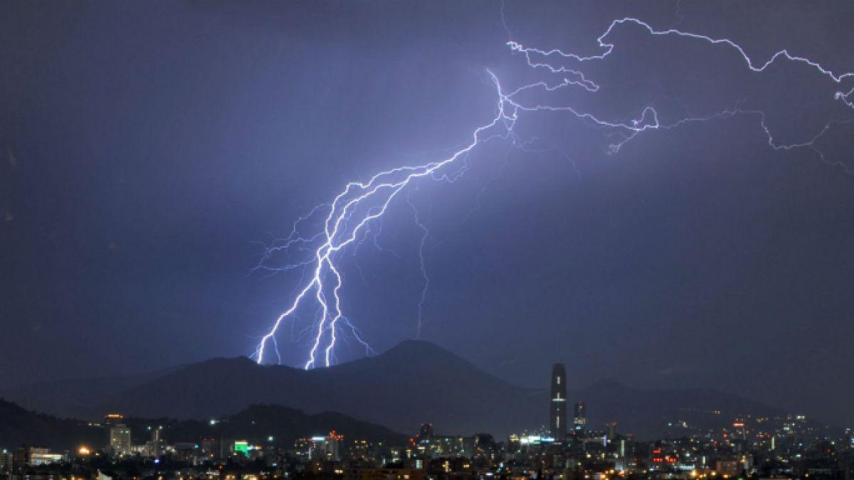 Las imágenes más sorprendentes de la tormenta eléctrica en la RM
