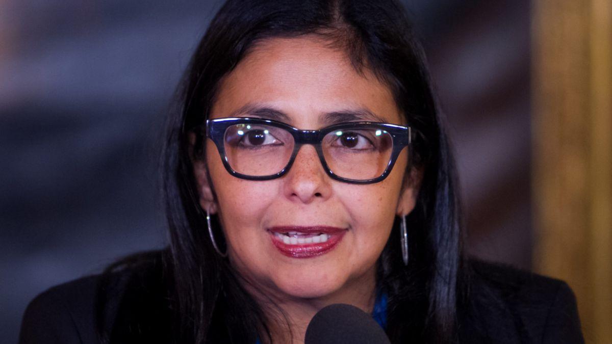 Venezuela da 15 días a EE.UU. para reducir personal en Caracas