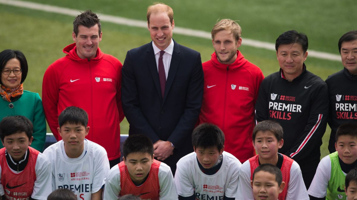 Príncipe William apuesta por la diplomacia del fútbol en China