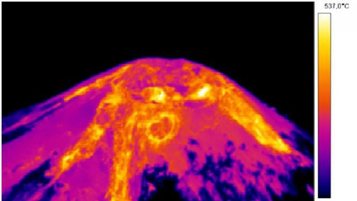 Sernageomin capta una imagen térmica de volcán Villarrica