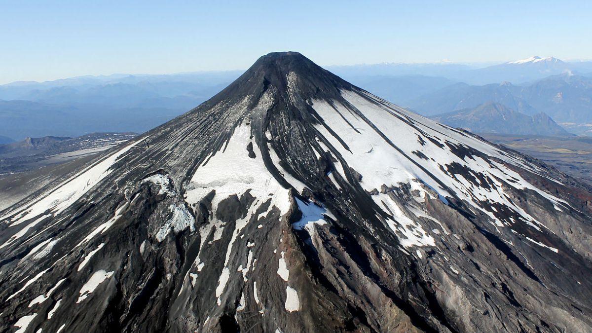Estabilización de volcán Villarrica podría durar desde días hasta meses