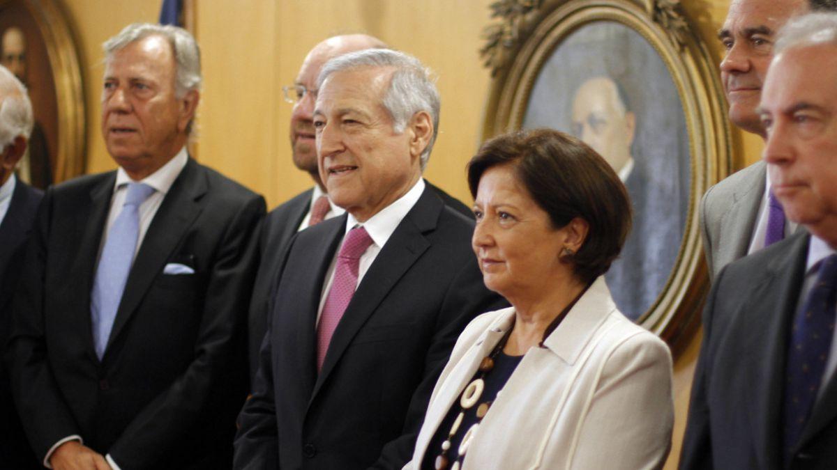 Ministro Muñoz se reúne con ex cancilleres para analizar demanda boliviana