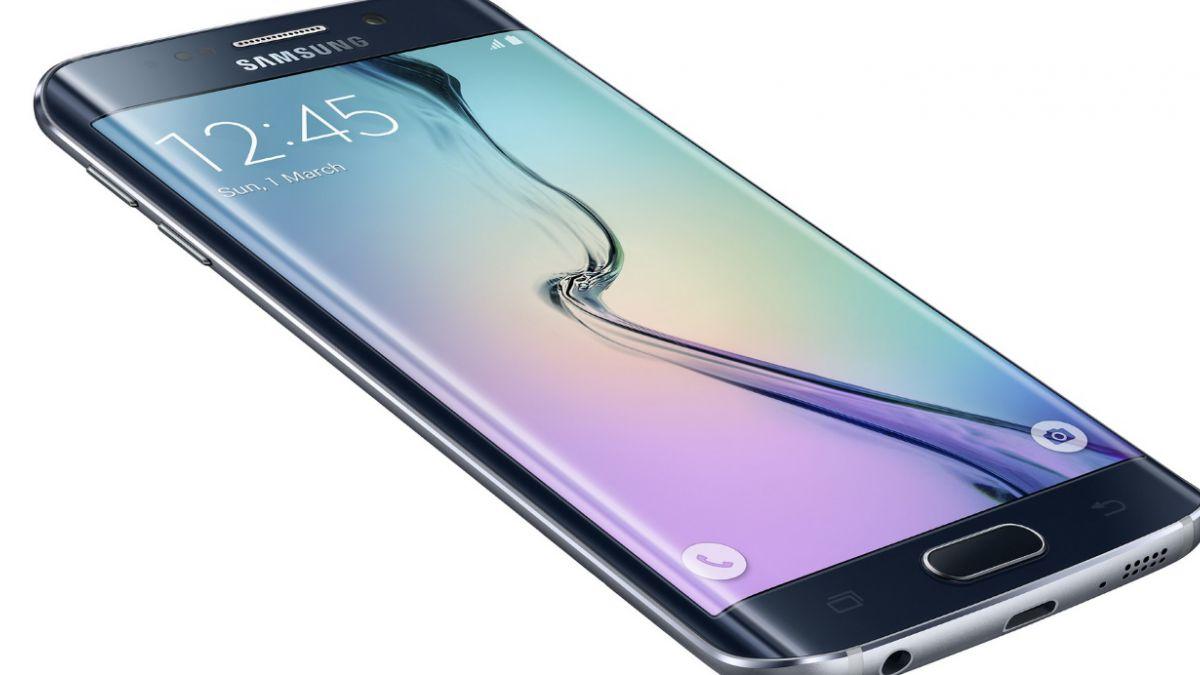 Teléfono curvo de Samsung fue elegido el mejor de feria global móvil