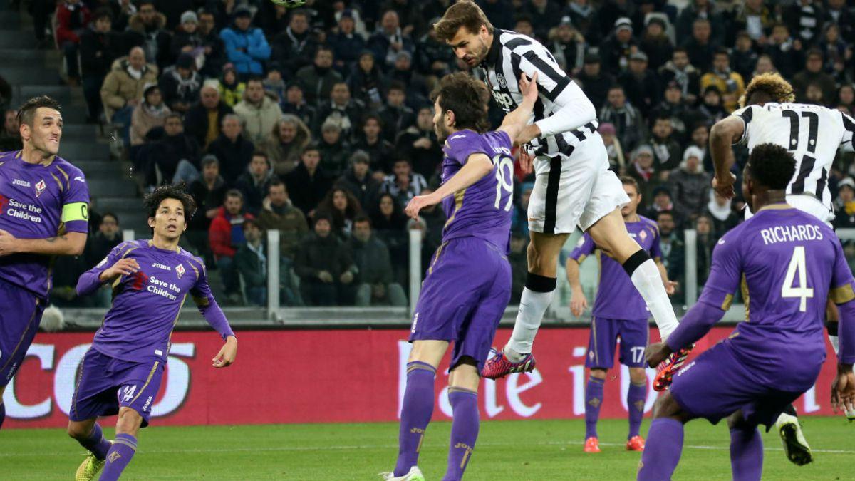 Fiorentina con Fernández derrota a Juventus de Vidal en Copa Italia