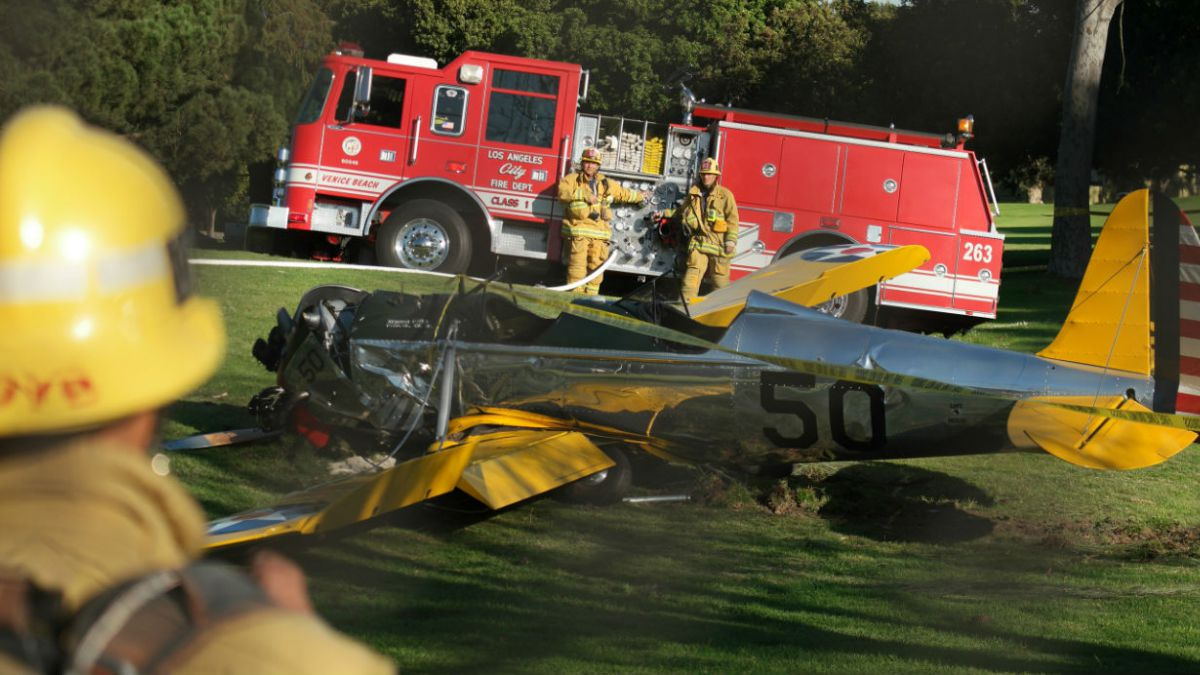 Harrison Ford en condición moderada tras accidente de avioneta