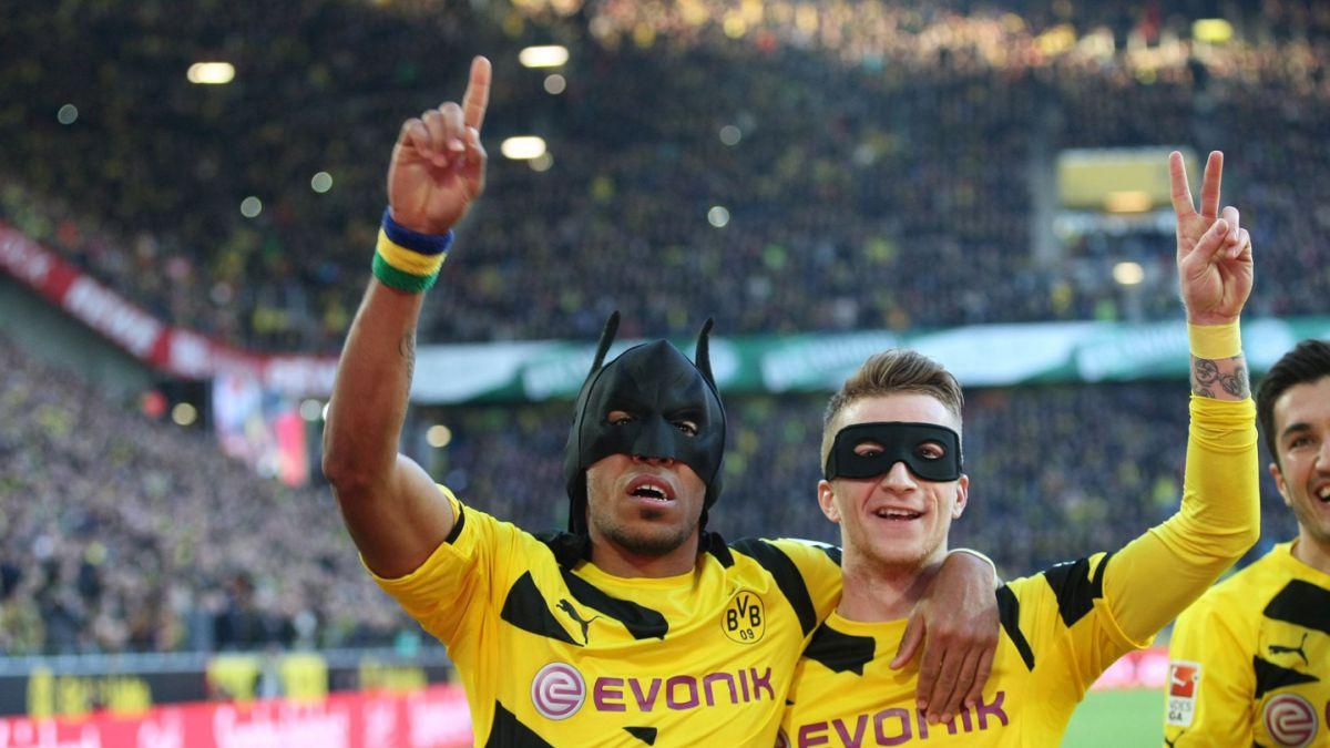 [VIDEO] Jugadores del Dortmund que celebren como Batman y Robin recibirán sanción