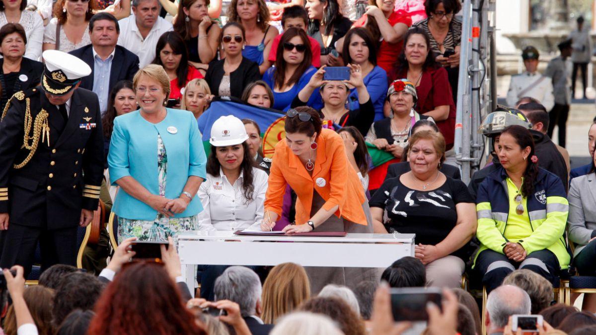 Presidenta Bachelet promulga Ministerio de la Mujer