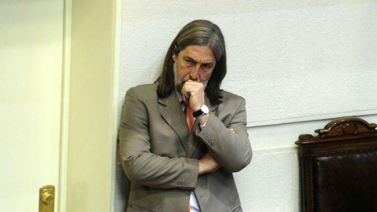 Senador Letelier (PS) se reunirá con disidentes en Venezuela