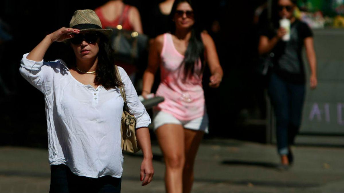 Ola de calor continúa este martes: prevén 38°C en la zona central