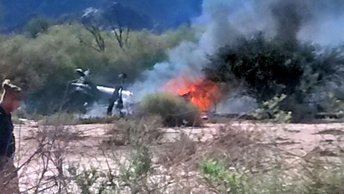 Recuperan cinco cuerpos del accidente de helicópteros en Argentina