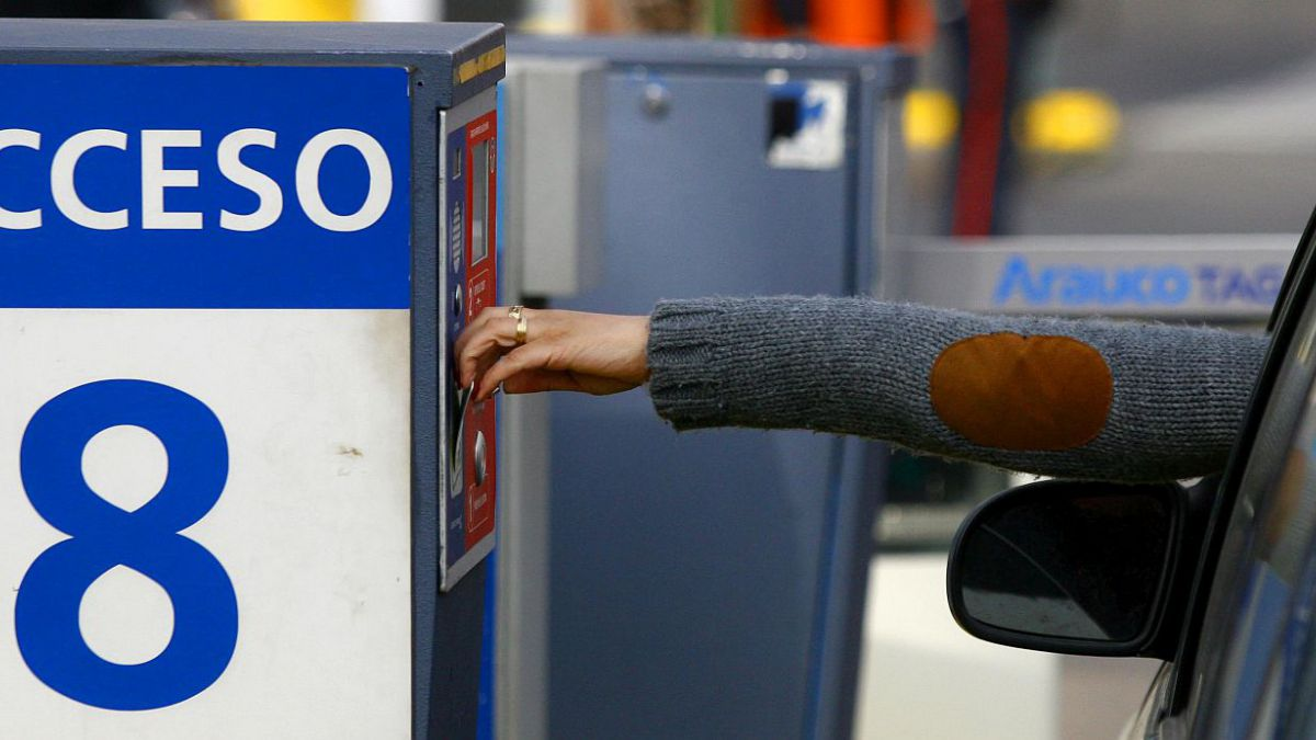 CNC califica como expropiatorio proyecto que regula cobro de estacionamientos