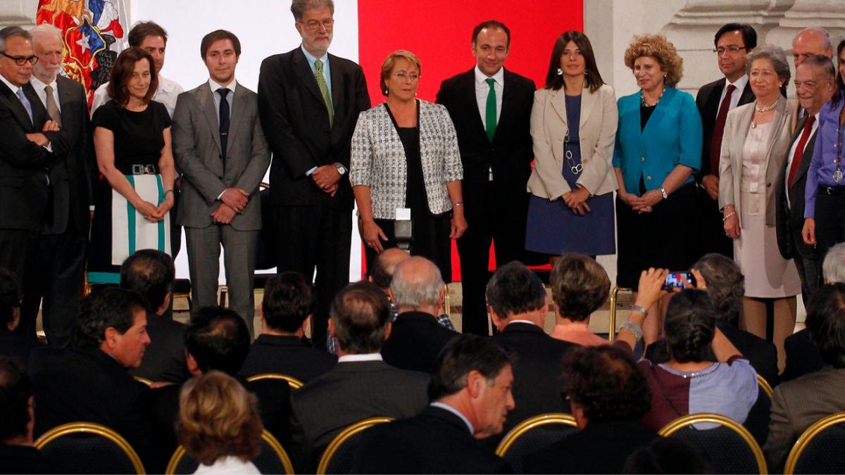 Quiénes son los miembros del Consejo Asesor para regular política y negocios