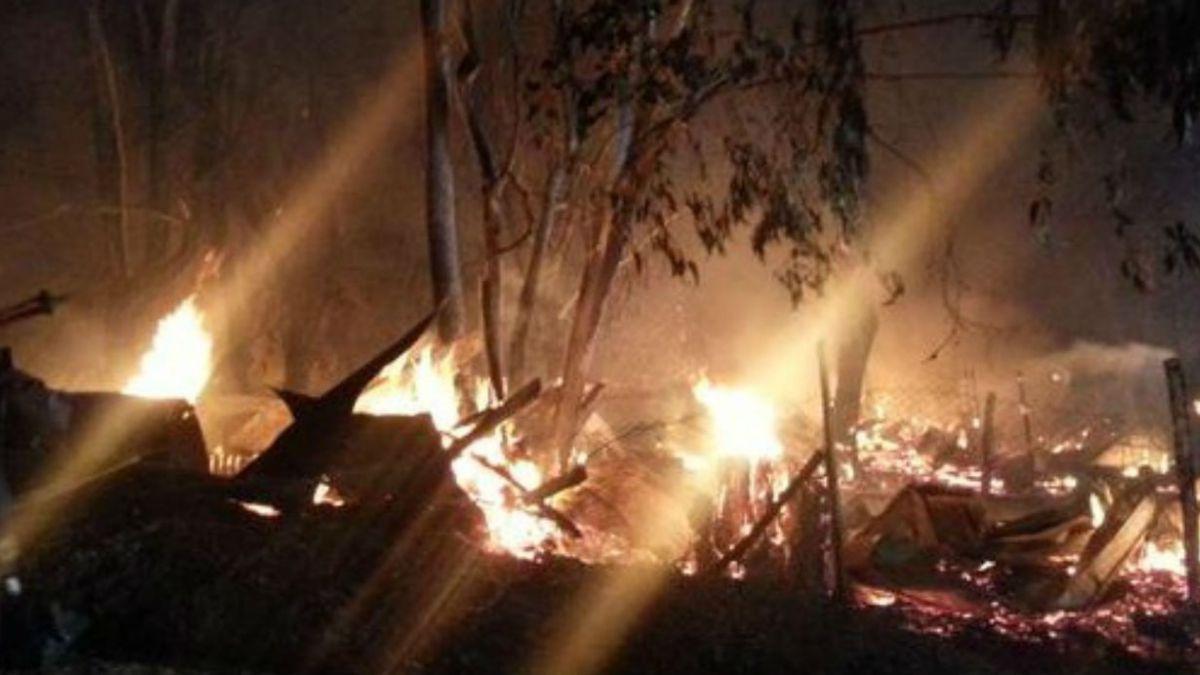 Incendio destruye caballerizas en Peñalolén