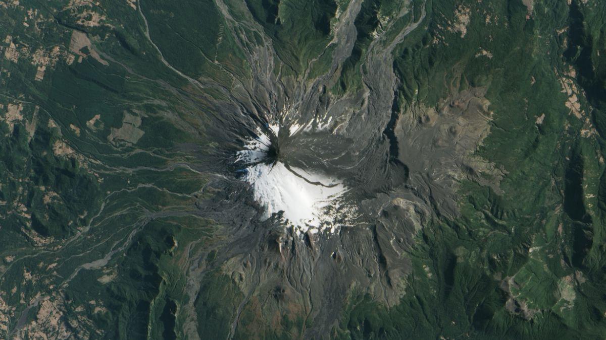 Sorprendentes imágenes antes y después del volcán Villarrica