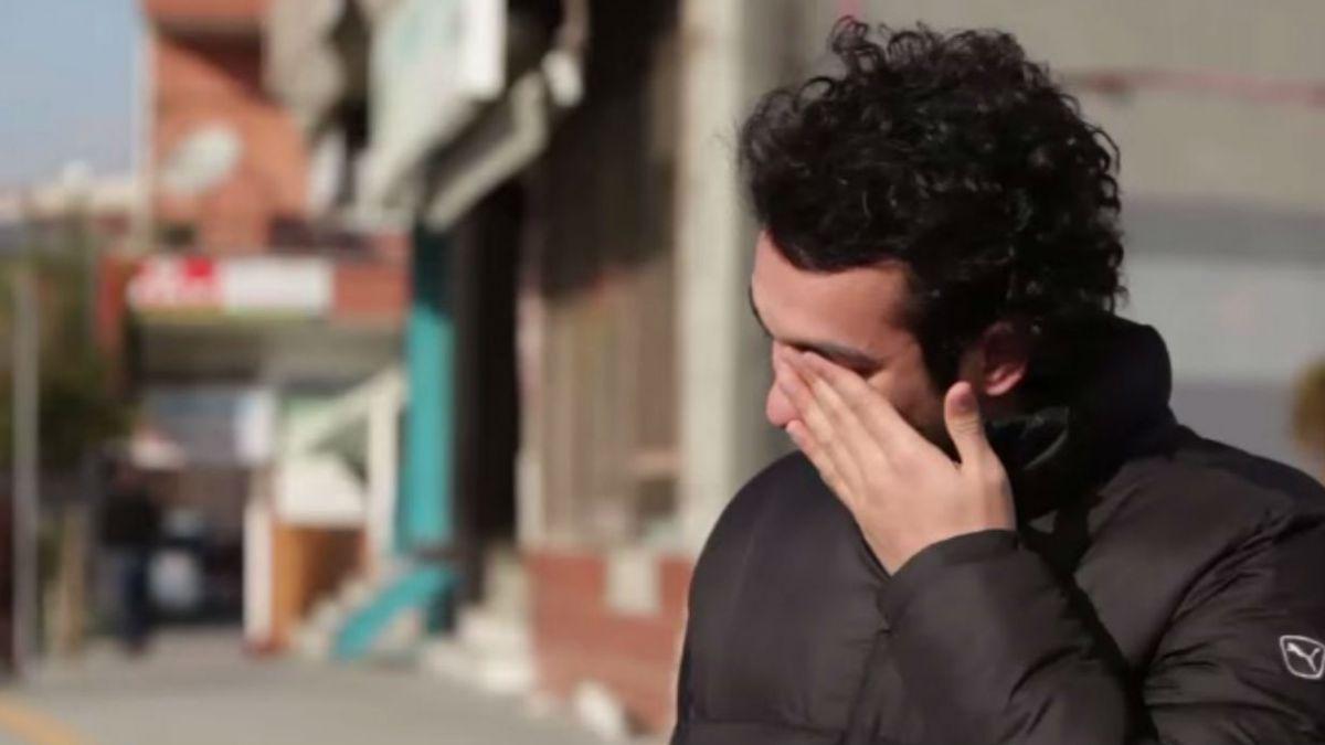 [VIDEO] Pueblo turco aprende lenguaje de señas y sorprende a joven sordomudo