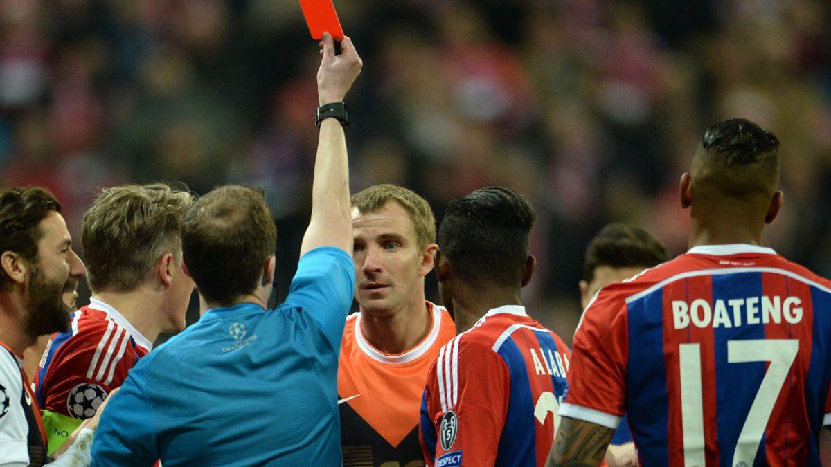 [VIDEO] Esta es la expulsión más rápida de historia de la Champions League
