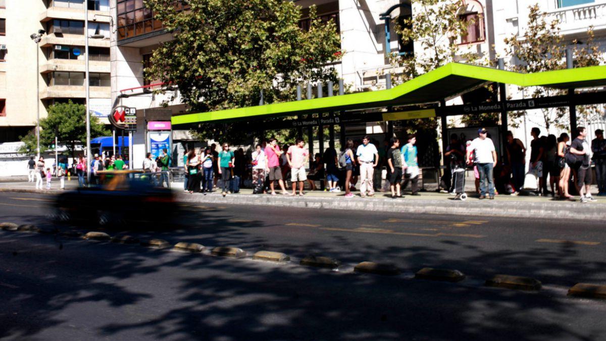 Reportan cortes de luz en el centro de Santiago