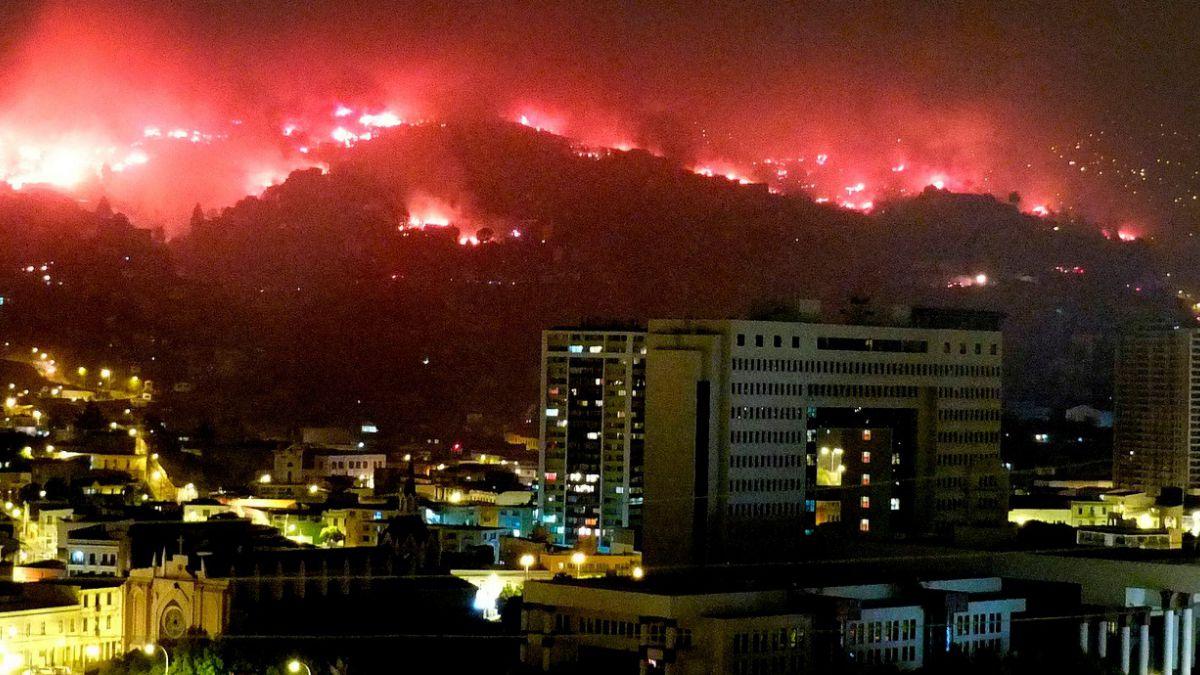 Los grandes incendios que han afectado a Valparaíso en el último siglo