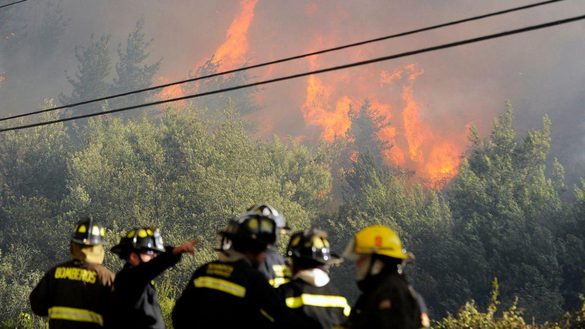 Así cubre la prensa internacional el incendio forestal en Valparaíso