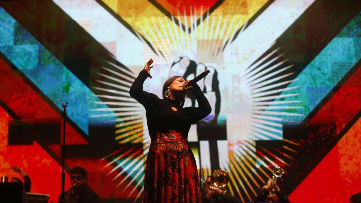 Ana Tijoux brilla en Lollapalooza con críticas al festival y homenaje a Jorge González