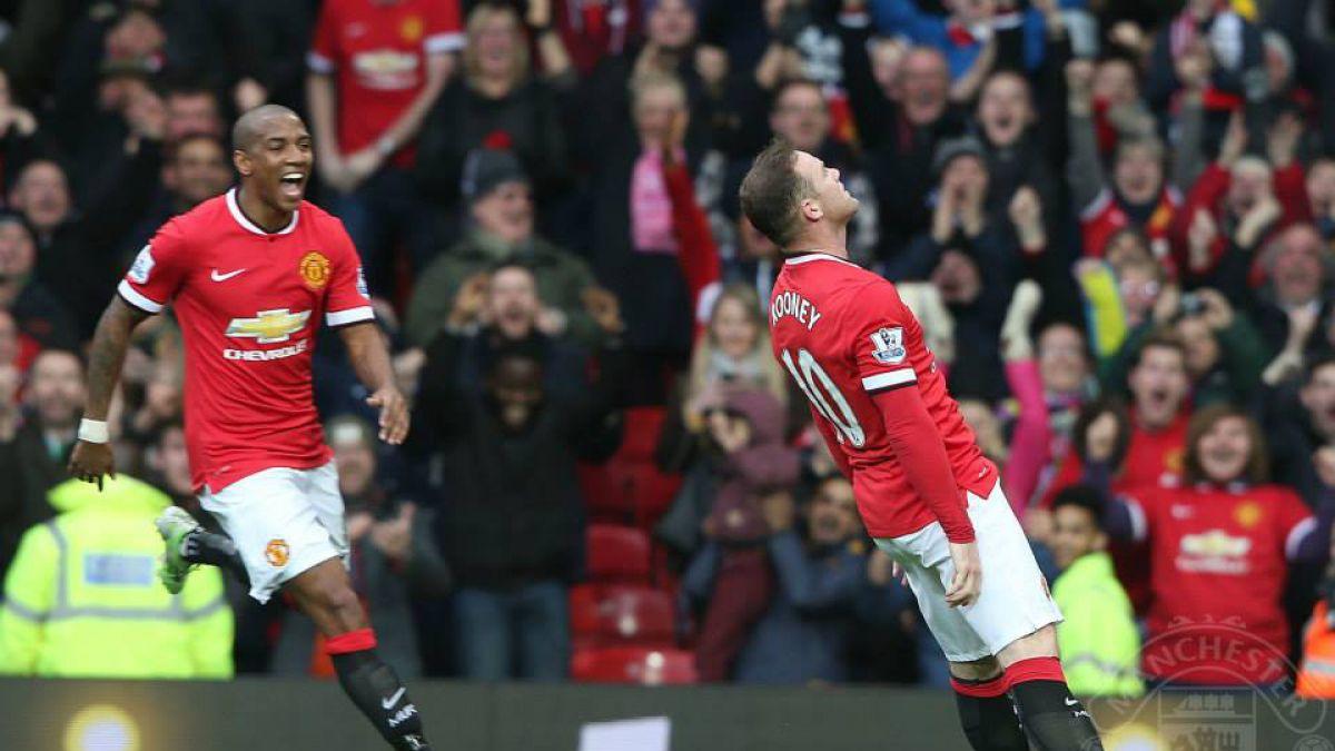 [VIDEO] Rooney celebra un gol imitando el nocáut en la cocina de su casa