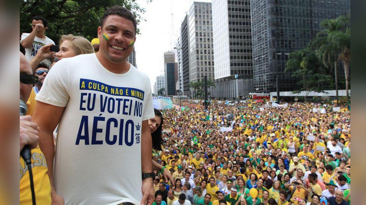 Ronaldo participa en las manifestaciones contra la presidenta de Brasil
