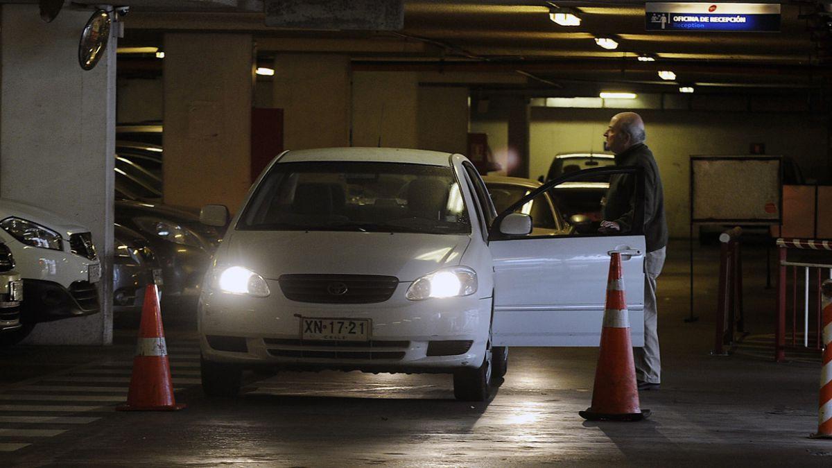 Cámara de Comercio dice que no corresponde intervención del Estado por estacionamientos