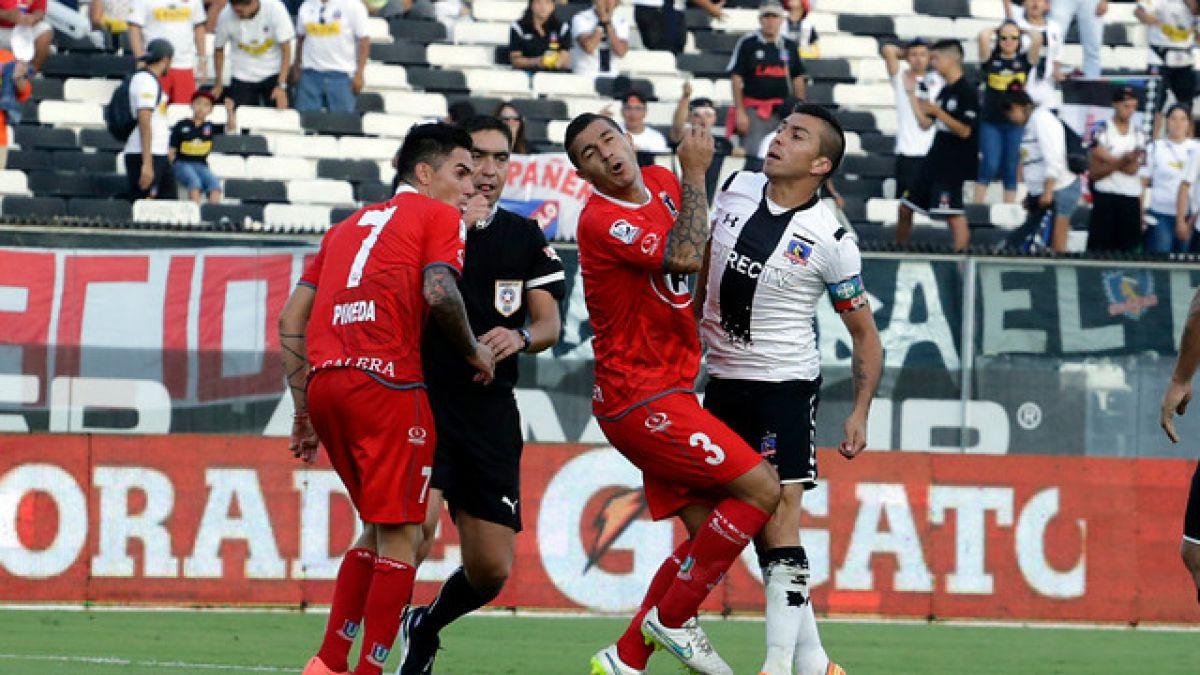 Gonzalo Fierro es el jugador con más tarjetas en Colo Colo