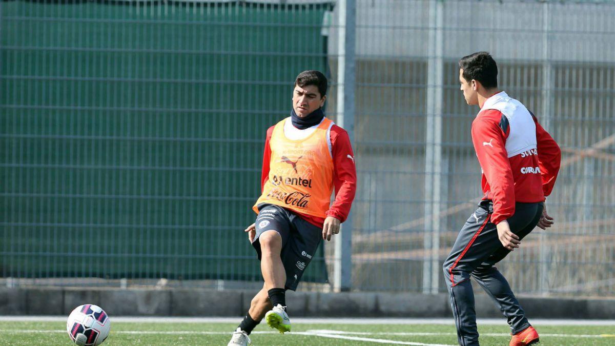 Pizarro asoma como titular frente a Irán