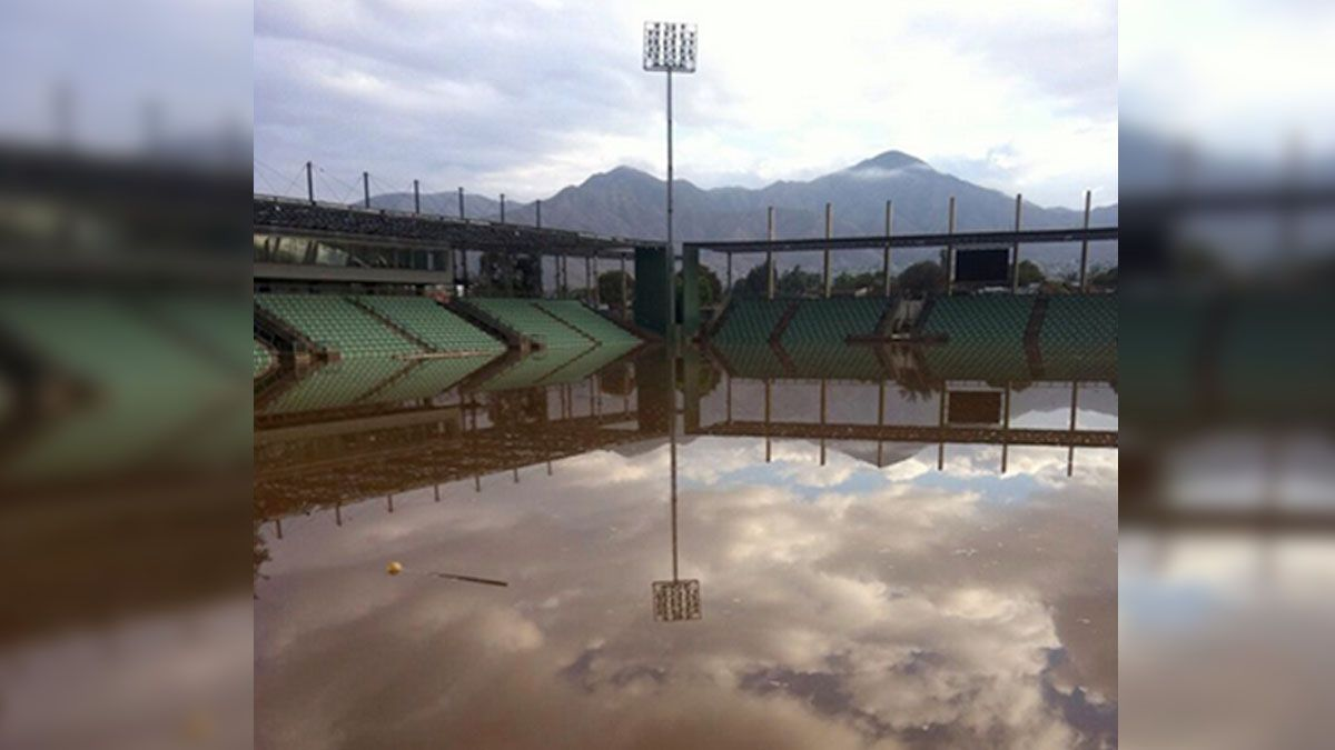 [VIDEO] Estadio Bicentenario de Copiapó está inundado completamente