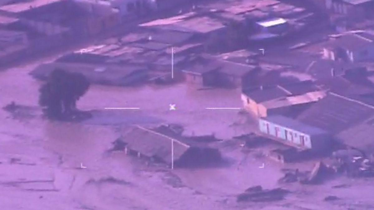 [VIDEO] Avión con cámara térmica sobrevuela zonas de catástrofe