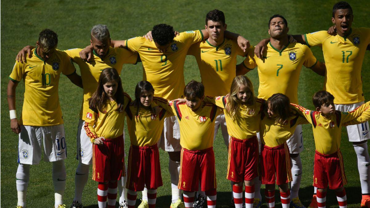 Los cambios en la formación de Brasil, a menos un año de la llegada  de Dunga a la banca