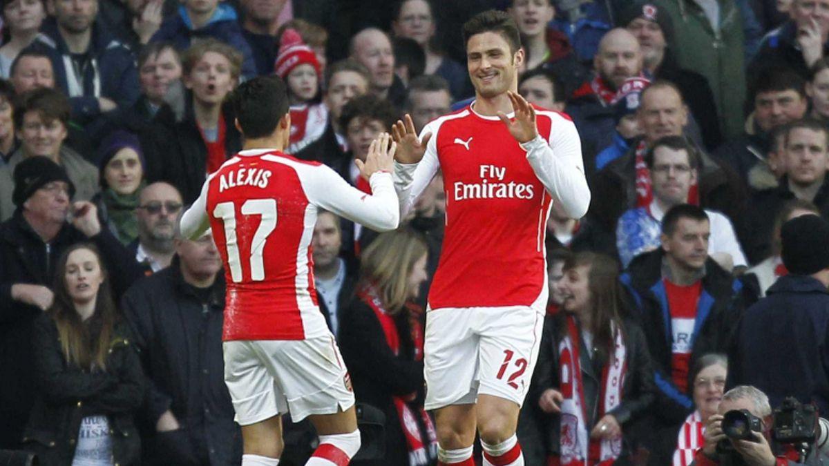 Compañeros y rivales: Giroud quiere superar a Alexis en el Arsenal