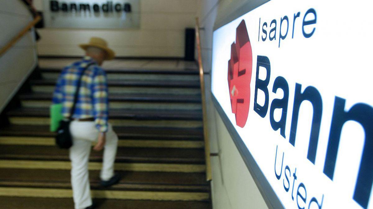 Estadounidense UHG firma acuerdo para adquirir chilena Banmédica