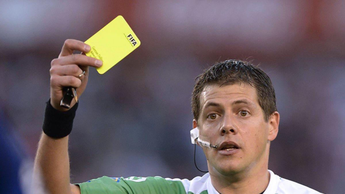 Polémica en Argentina por árbitro que cobró un penal y luego revirtió su decisión