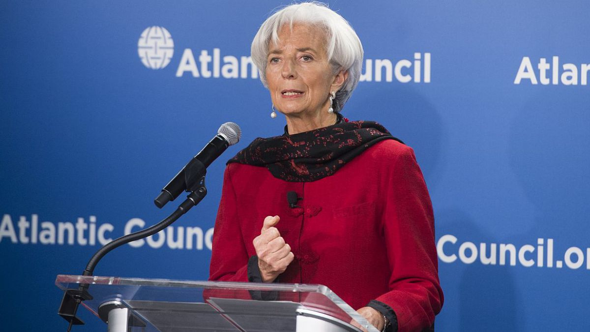 Lagarde pide comportamiento adulto en negociaciones con Grecia