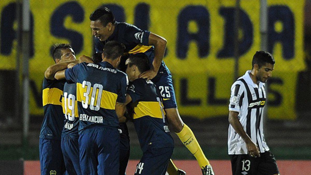 Boca golea y mantiene con vida las opciones de Palestino en la Libertadores