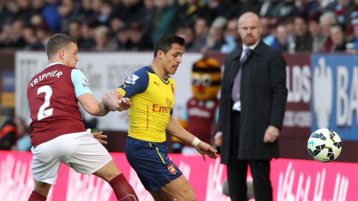 Alexis Sánchez fue titular en ajustada victoria del Arsenal