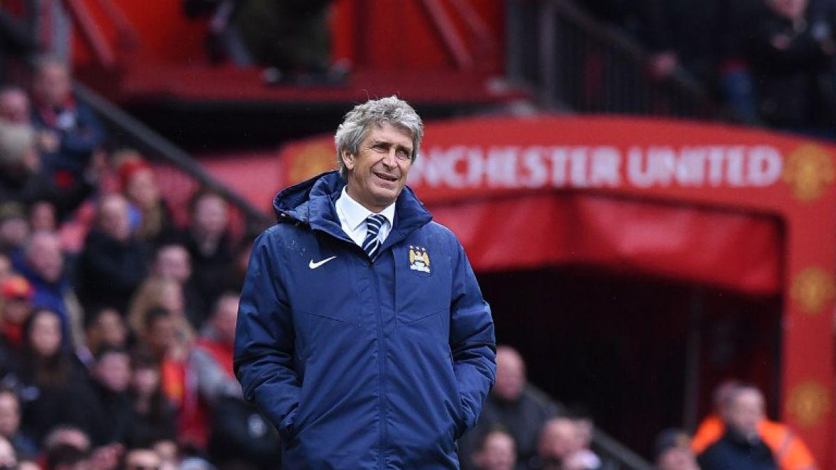 El City de Pellegrini se alejó de la Premier tras perder el clásico de Manchester