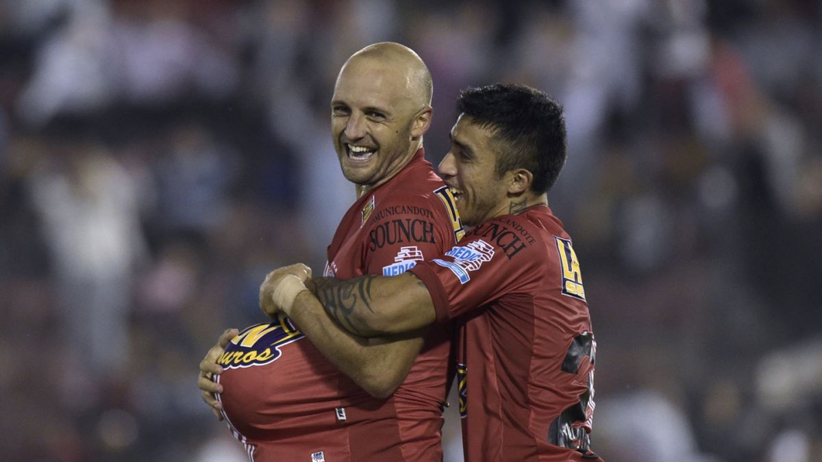 Edson Puch brilla en victoria de Huracán sobre Cruzeiro por Copa Libertadores